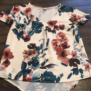 Floral blouse. NWOT